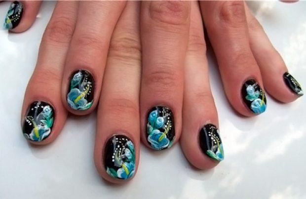 дизайн ногтей на черном фоне: