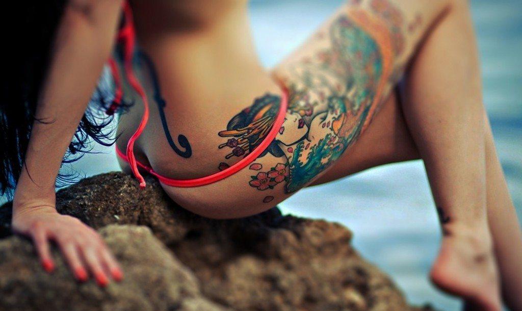 Сексуальное тату на ноге 24 фотография