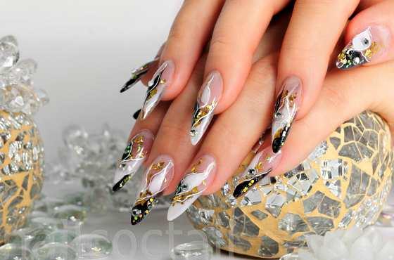 Дизайн ногтей на стекле