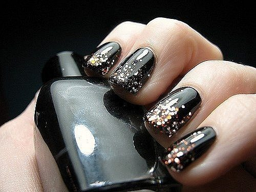 готичный дизайн на ногтях