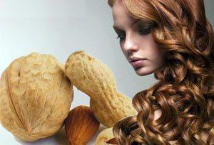 девушка и орехи