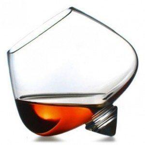 бокал со спиртным