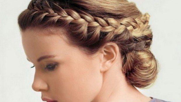греческая коса с боку