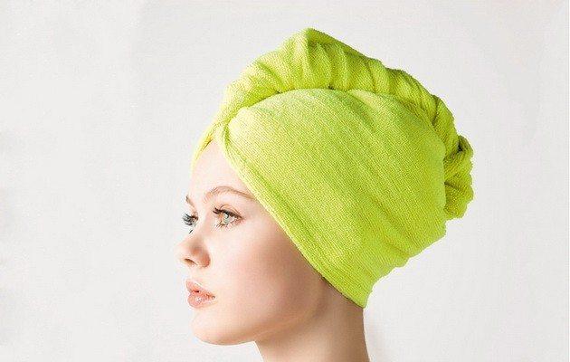 полотенце вокруг головы