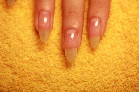 натуральные ногти покрытые защитным био гелем