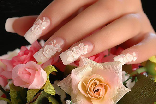 свадебные ногти с цветами