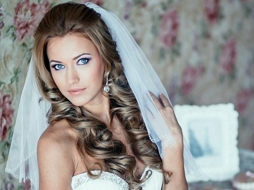 невеста с прической в греческом стиле