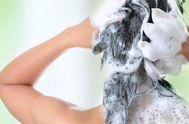 мытье головы с пеной