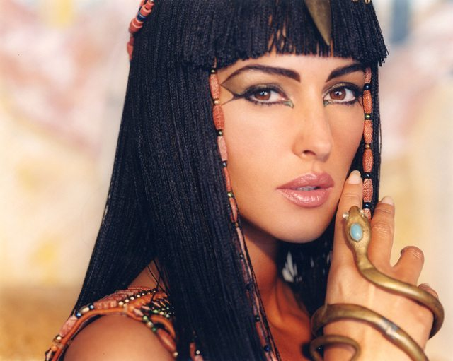 египетский макияж на монике белуччи