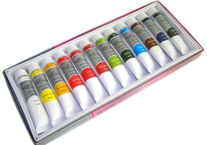 палитра красок в тюбиках