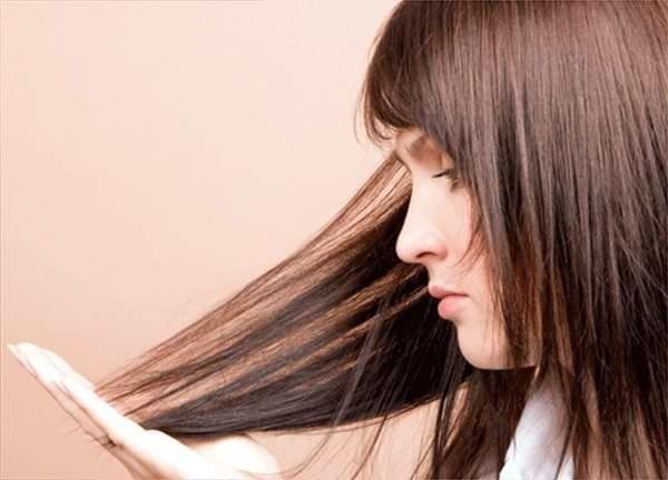 выпадение волос у девушки