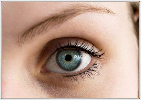 глаза с перманентным макияжем