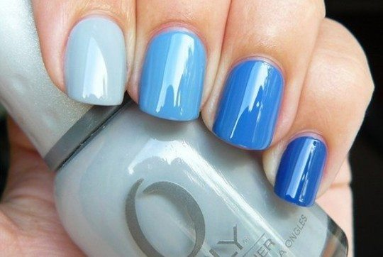 все цвета синего на ногтевой пластине