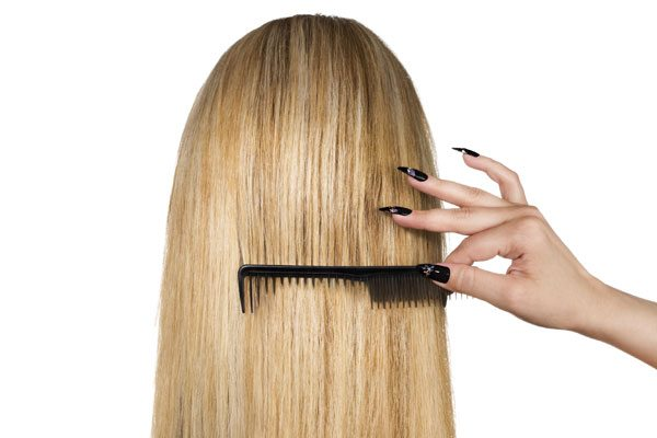 Расчесывание гладких волос