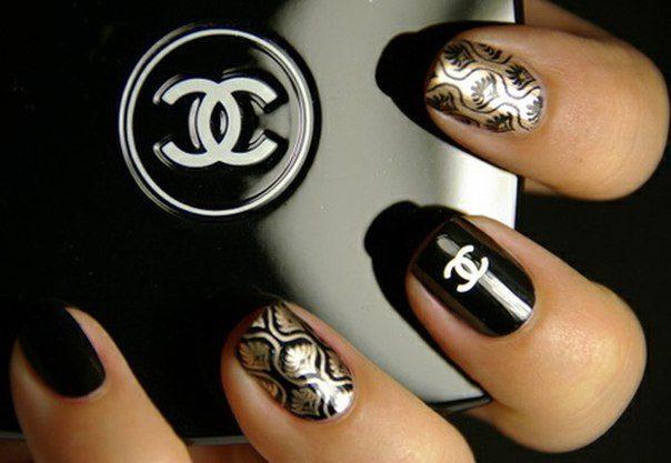 нейл арт на ногтях от Chanel