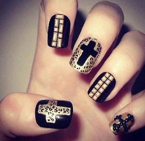 ногти с крестами