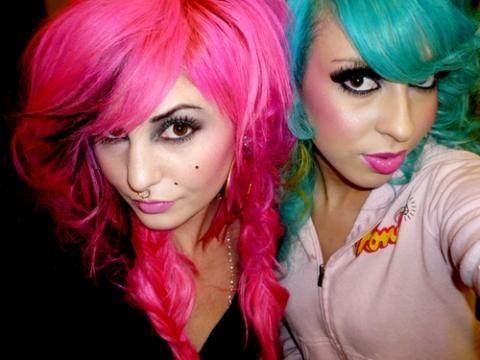 две эмо девушки