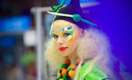 девушка с креативным make up
