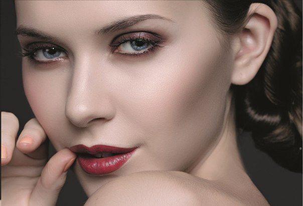 романтический макияж для голубых глаз