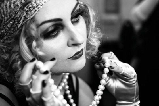 актриса 20-х годов с ретро макияжем