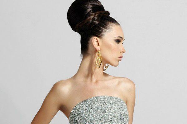 девушка в роскошном платье