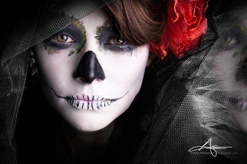 девушка- скелетик