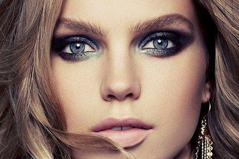 красиво накрашенные глаза