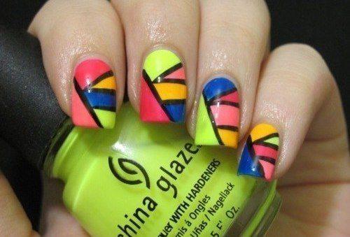 цветные фигуры на ногтях