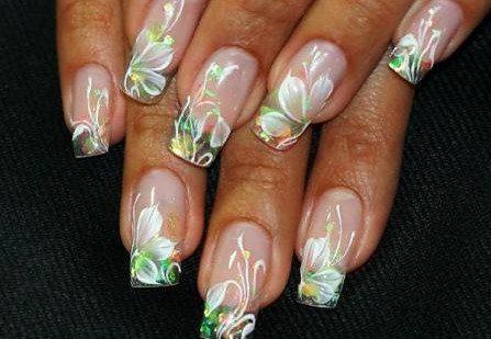 нежный аквариумный дизайн ногтей