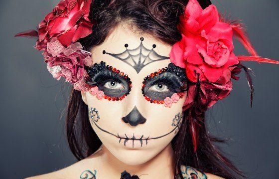 девушка скелетон