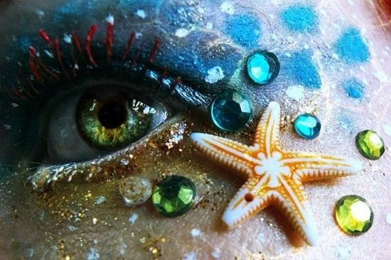 макияж глаз в образе русалки на Хеллоуин