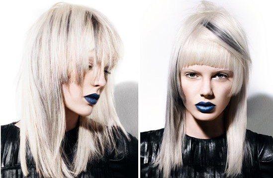 модель с синими губами