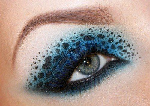 сине- черный make up на веках