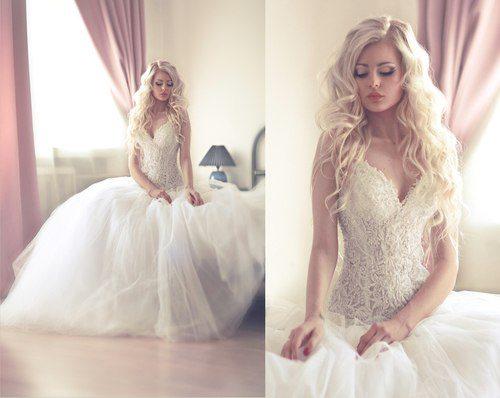 невеста в роскошном белом платье