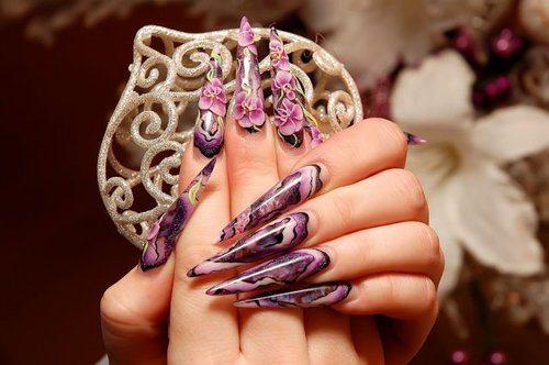 красивый дизайн с фиолетовыми цветами