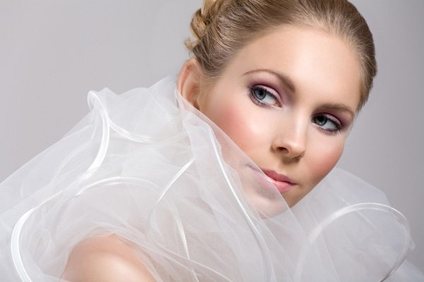 легкий make up для невесты с серыми глазами