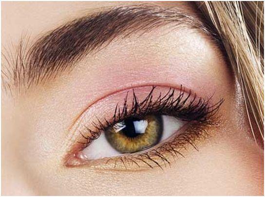 макияж для зеленоглазой блондинки