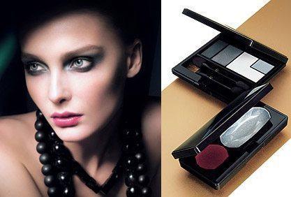модель с вечерним makeup