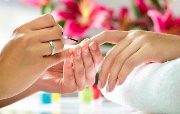 покрытие ногтевого ложа лечебным составом