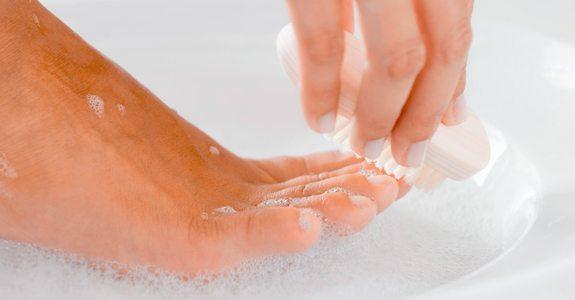 ноги в мыльном растворе