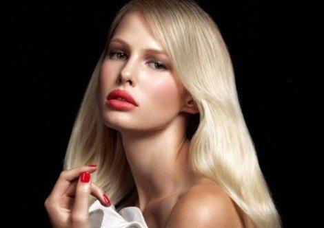 соблазнительная блондинка