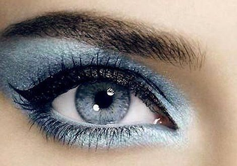 красивый серо-голубой мейкап