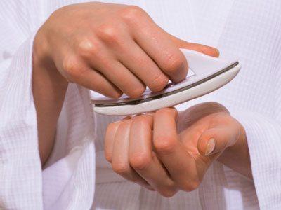 полирование ногтей