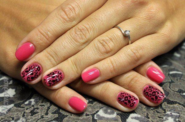 розовый дизайн с леопардовым принтом