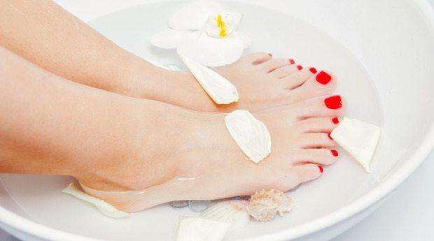 ножки в ванночке