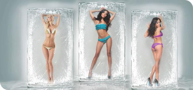 девушки в кубиках льда