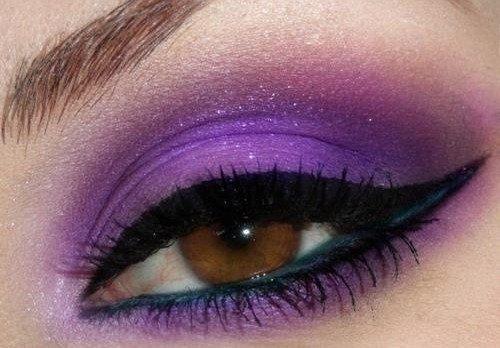 яркие фиолетовые тени на глазах