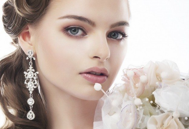невеста со свадебным makeup