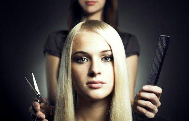 девушка и парикмахер
