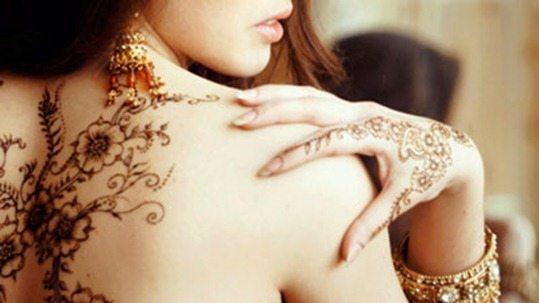 красивые рисунки на спине и руке